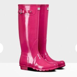 Hunter Orig. Tall Gloss Rain Boot- like brand new!
